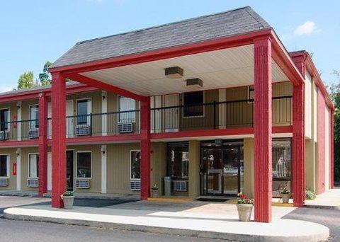 фото Econo Lodge Inn & Suites Fort Rucker 609670251