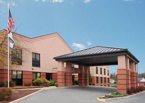 фото Comfort Suites Martinsburg 609683551