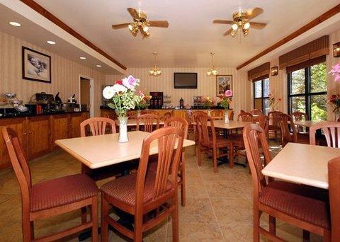 фото Comfort Suites 609704042
