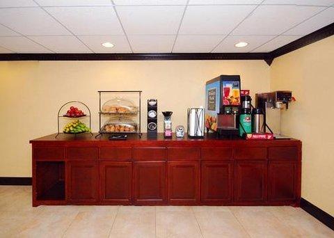 фото Rodeway Inn Mount Laurel 609745800