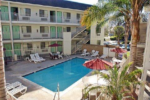 фото Motel 6 Buena Park - Knotts / Disneyland 609859442