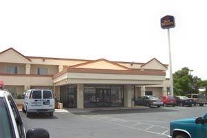 фото Fortuna Inn & Suites 609865554