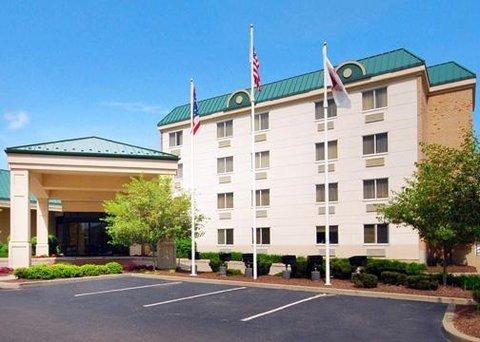 фото Clarion Hotel Beachwood 609869104