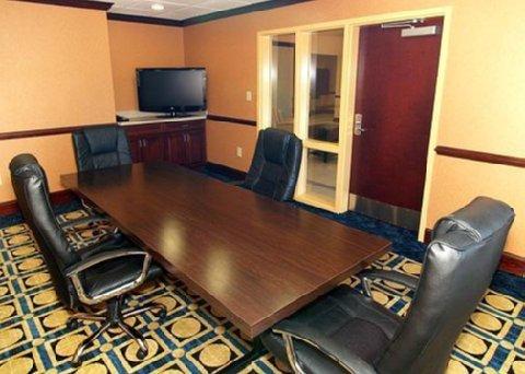 фото Comfort Inn & Suites Augusta 609983505