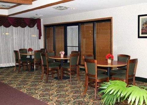 фото Comfort Inn West State Road 609999498