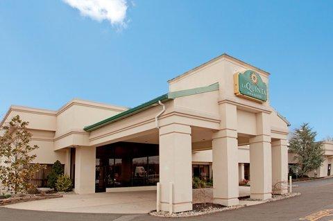 фото La Quinta Inn & Suites Fairfield, NJ 610055421