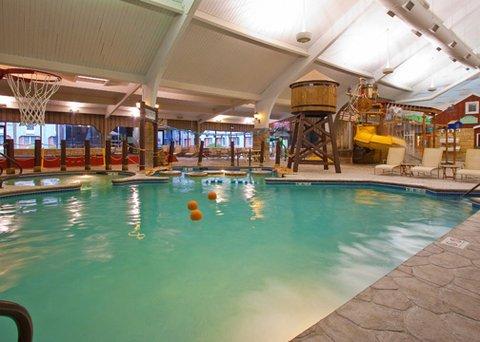 фото Ramada Williamsburg and Wasserbahn Waterpark 610138463