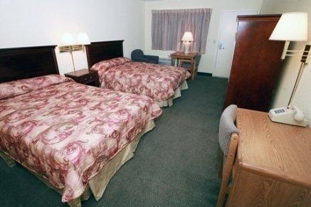 фото Home-Towne Lodge Omaha 610150111