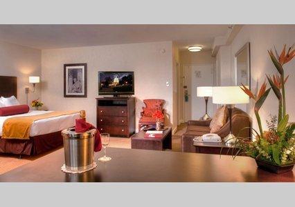 фото Virginian Suites 610196716