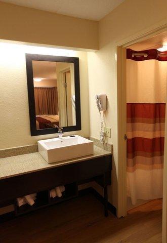 фото Red Roof Inn Buffalo Amherst 610196807