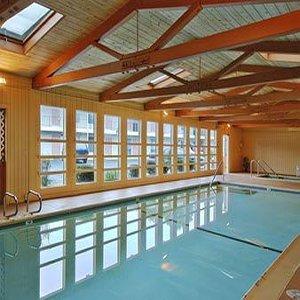 фото Econo Lodge Inn and Suites 610235197