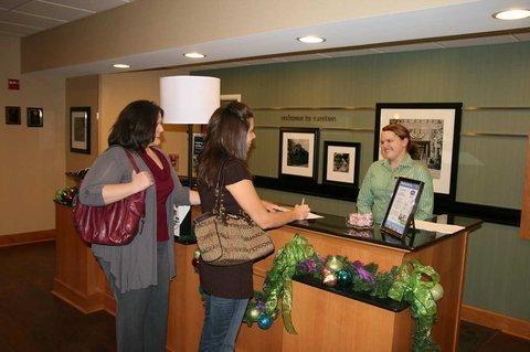 фото Hampton Inn & Suites Canton 610260559
