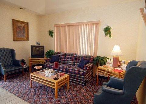 фото Rodeway Inn 610263589