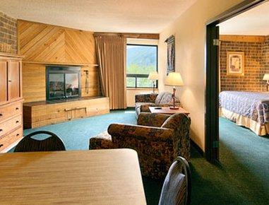фото Ramada Inn & Suites Glenwood Springs Colorado 610266058