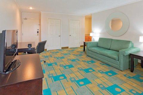 фото La Quinta Inn & Suites Meridian 610271098