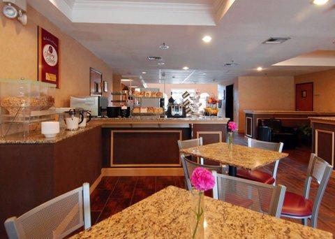 фото Comfort Suites Las Colinas Center 610275655