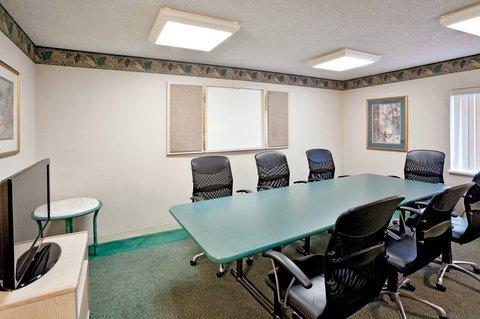 фото Quality Inn & Suites Warren 610282004