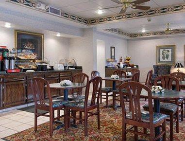 фото Ramada Jackson Airport Hotel 610282192