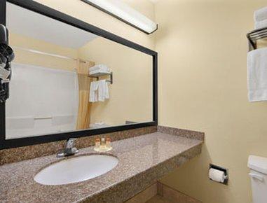 фото Days Inn Burleson Ft. Worth 610290264