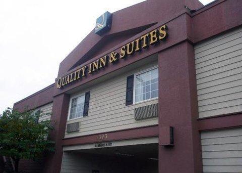 фото Quality Inn & Suites Bremerton 610314799