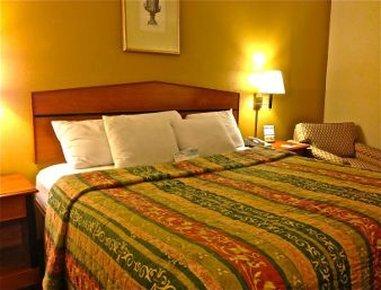 фото Days Inn Florence 610330641