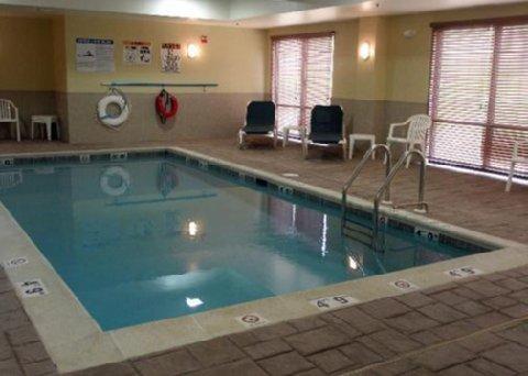 фото Comfort Suites Hummelstown 610347920