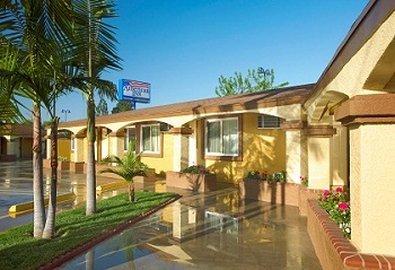 фото American Inn Downey 610406665
