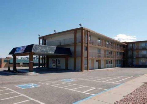 фото Rodeway Inn Pueblo 610427382