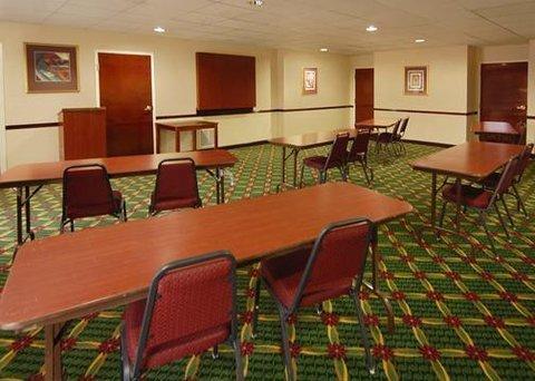 фото Comfort Inn & Suites Peachtree Corners 610451412
