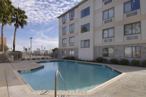 фото Red Roof Inn Laredo Airport 610460712