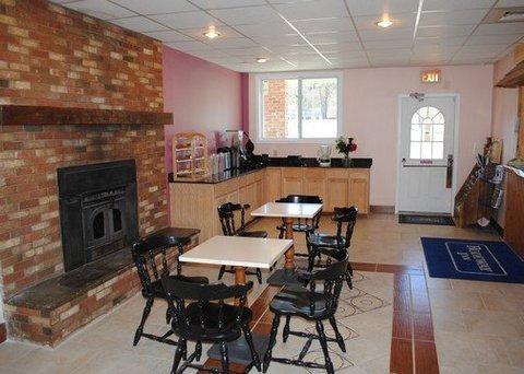 фото Rodeway Inn - Bellows Falls 610475778