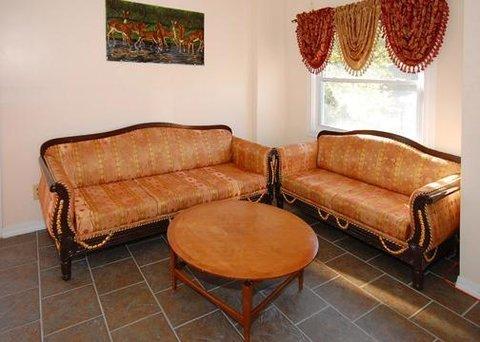 фото Econo Lodge New Paltz 610545855