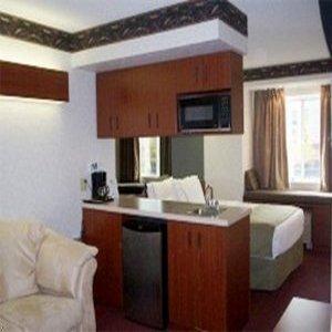 фото Microtel Inn & Suites by Wyndham Mason 610558477