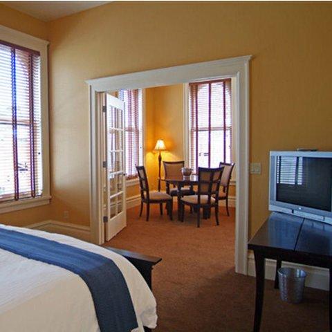 фото Montvale Hotel 610598896