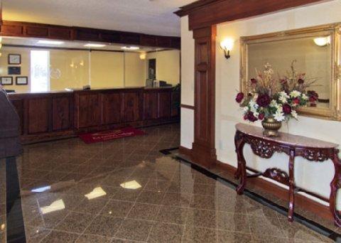 фото Econo Lodge At Six Flags 610639178