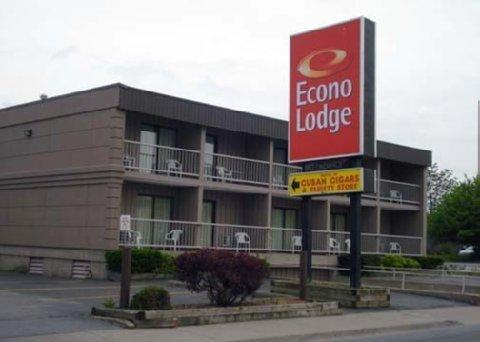 фото Econo Lodge by the Falls 610673732