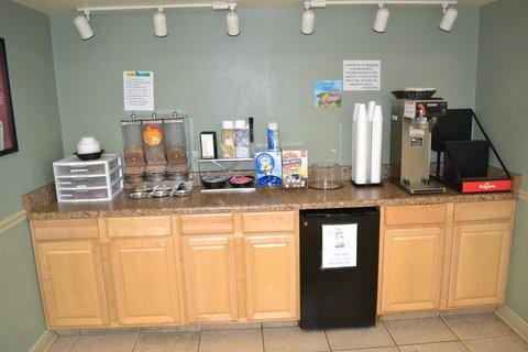 фото Econo Lodge Space Center 610679749
