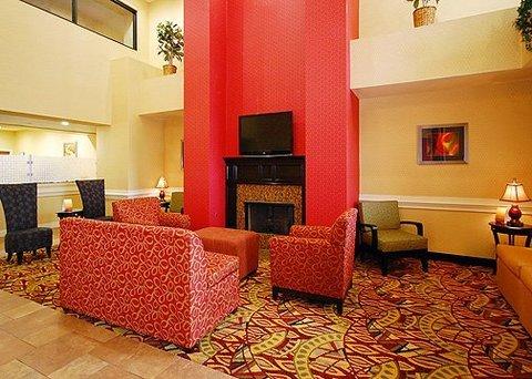 фото Comfort Suites Port Allen 610680933