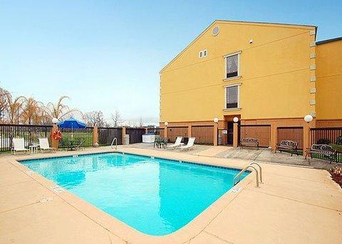 фото Comfort Suites Port Allen 610680942