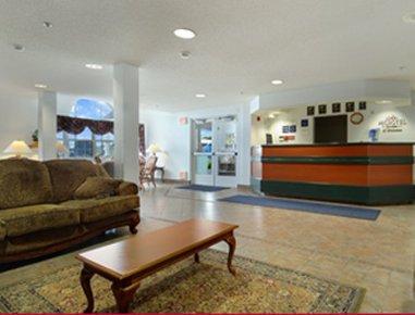 фото Microtel Inn & Suites by Wyndham Owatonna 610696187