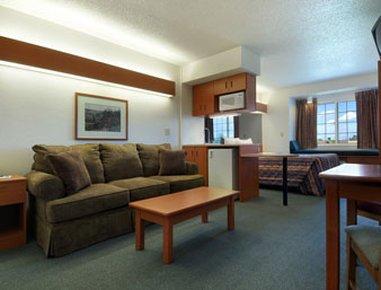 фото Microtel Inn & Suites by Wyndham Owatonna 610696189