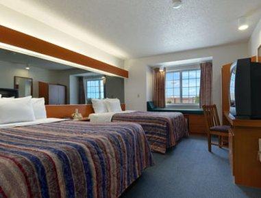фото Microtel Inn & Suites by Wyndham Owatonna 610696190