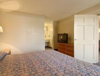 фото Budgetel Inn & Suites Macon 610697339