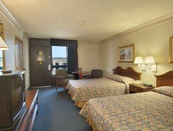 фото Budgetel Inn & Suites Macon 610697344
