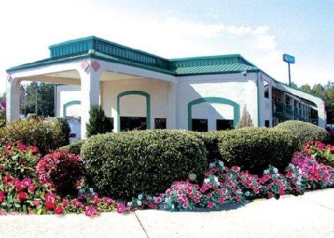 фото Quality Inn & Suites Stockbridge 610706775
