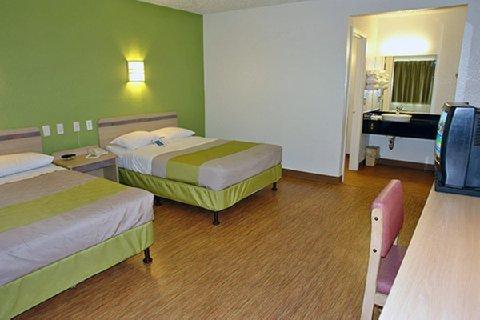 фото Motel 6 Fort Worth East 610708898