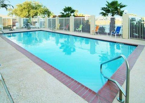 фото Comfort Suites New Orleans 610711246