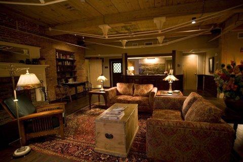 фото Common Man Inn & Restaurant Claremont 610713815