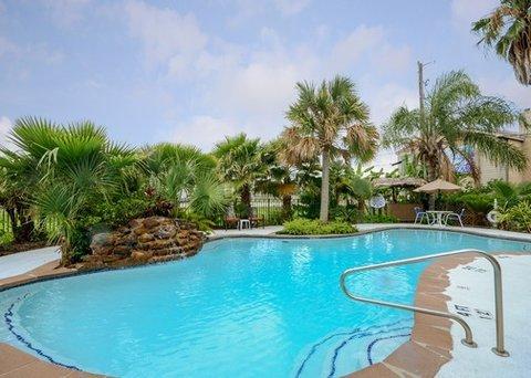 фото Quality Inn & Suites Yacht Club Basin 610741774
