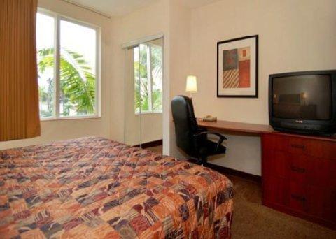фото Sleep Inn & Suites 610766937